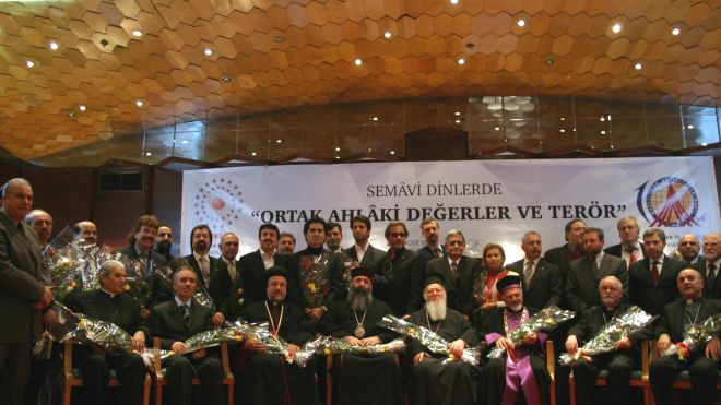 Jews, Christians, Muslims Offer Joint Prayer for World Peace