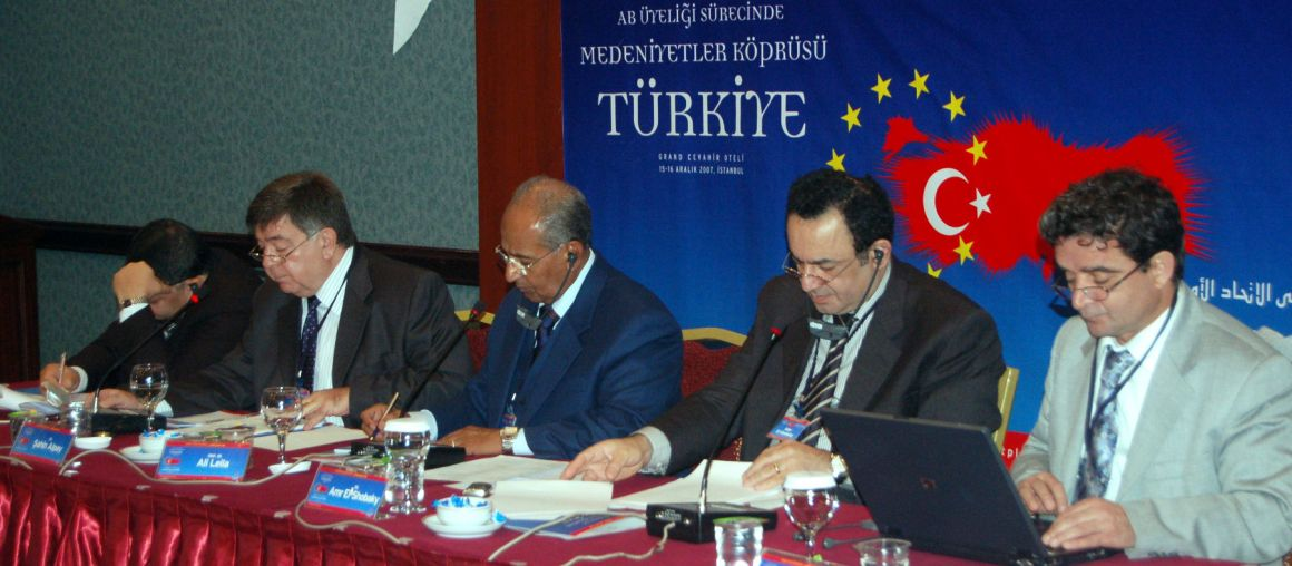 Scholars Say Regional Stability Depends on Turkey's EU Membership