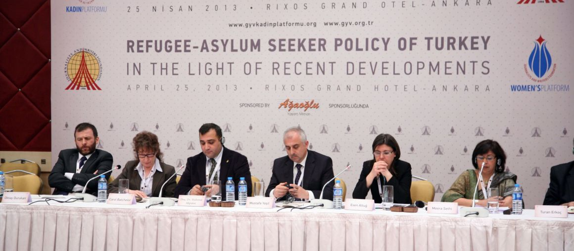 Turkey Urges Creation of Humanitarian Corridor in Syria to End Refugee Influx